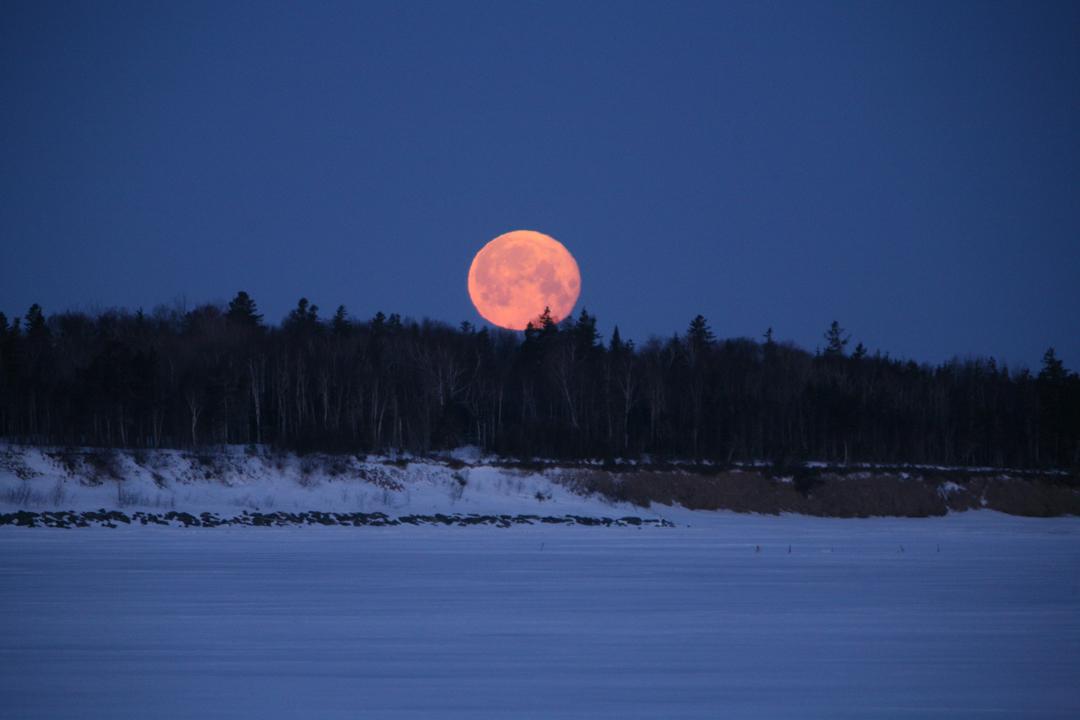 Coucher de lune sur le bocage